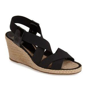 Andre Assous Dalmira' Wedge Shoe Black